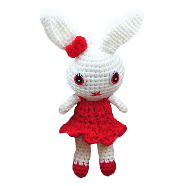 China new design handmade knitted stuffed toy rabbit manufacturers